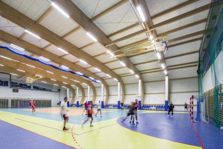 Hala widowiskowo -sportowa w Bezledach